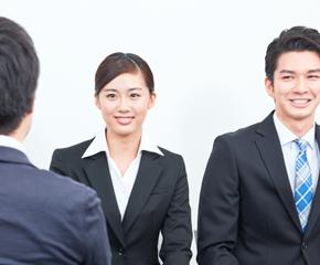 「笑顔に自信を!」専門家が教える、面接で好印象を残すコツ