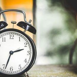 朝の嫌われ者……知られざる「目覚まし時計」のなが~い歴史