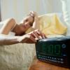 社会人に聞いた、朝型人間にシフトチェンジする方法「PC・スマホを見ない」「無理やり起きて体を慣らす」