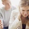 だまされた! ウソを見抜けず悔しかった体験「テスト前に『勉強しても意味ないよ』」「恋人が既婚者だった」