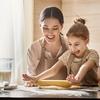 社会人に聞いた、専業主婦の家事は月給いくら分の仕事? 平均月給は約20万円「3年目OLと同じくらい」