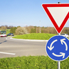 駐車余地、警笛鳴らせ、安全地帯......? これ何だっけ!? 忘れがちな道路標識TOP5