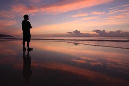 「ウユニ塩湖」「イエローナイフ」見たら人生観が変わる、海外のオススメ絶景3選