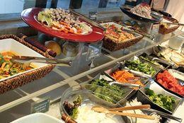 鮮魚と朝採れ野菜を召し上がれ! ロケーション最高な森のビュッフェレストラン「マーケットテラス」で埼玉・川越グルメを楽しもう