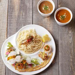 女性に人気のイタリアン風ラーメン! 泡トッピングの「ベジつけ麺」はデートや女子会にも使える―新宿「麺や庄のgotsubo」