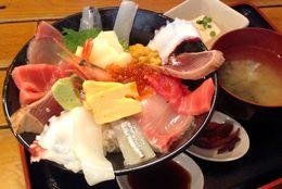 【渋谷ランチ】ワンコインで豪華海鮮丼! 魚介系ランチ・どんぶりなら『漁十八番』がコスパ最強