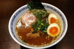【渋谷ラーメン】食べログトップ評価の人気店! スープ・麺・具すべて完成度の高い『らーめん はやし』