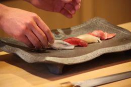 回らない寿司、メンズエステ…都内の意外とハードル高くないスポット4選