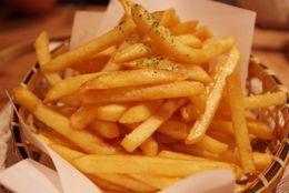 マック対モス? フライドポテトは細め、太めどっちが好き? 結果は6割以上が◯◯派