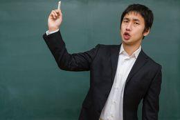 きっと忘れない……「悪い意味で」印象にのこっている学生時代の「先生」は?「恐怖政治」「将来の夢を笑われた」