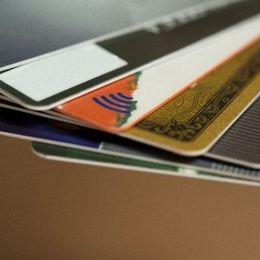「基本リボ払い」「破産者が多い」日本と全然違う! アメリカのクレジットカードによる支払い方法の特徴