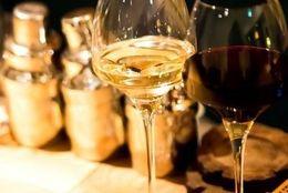知ってたらかっこいい! 意外と知らないワインの正しい飲み方とマナーについて