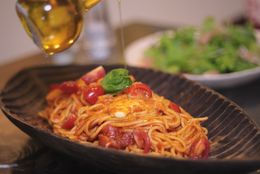 無償に恋しい! 海外旅行中に食べたくなる日本食ランキング「白米→パンに飽きる」「寿司→新鮮な魚を食べたい」