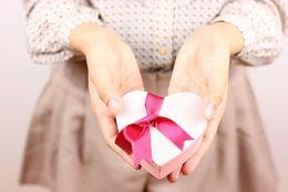 元カレ・元カノにもらったプレゼントって破局後も残してる? 捨てる? 多数派は捨てる派「気味が悪い」