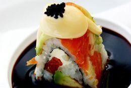 逆に食べてみたい! 海外旅行で実際に出会った変なお寿司「マンゴー巻き」「サーモンと肉を巻いて焼き肉のタレ」