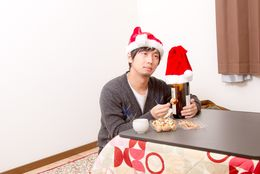 半数がクリぼっち!? 社会人に聞いた、2015年のクリスマスの過ごし方は?