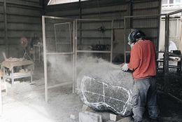 まさに天才! 「二科展」受賞の大学生彫刻家、東北芸術工科大学森本諒子さん取材「石を生き物に」