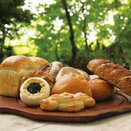 ちくわパン、福田パン、ういろうパン……一度は食べてみたい! 全国のご当地パンまとめ
