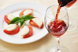 デートで使える! 高級レストランで恥をかかないワインの豆知識10選