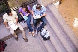 大学生に聞いた! いられるものなら何年間大学生でいたい? 5年以上が4割「もっと遊びたい&学びたい」