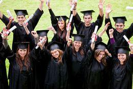 歌える人は1割のみ! 大学生は自分の大学の校歌・スクールカラー・学長をほとんど知らない!