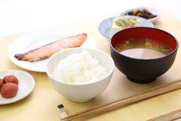 若者もやっぱり和食好き?!  現役大学生の朝食は「パン」か「ごはん」どっちが人気?