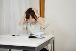 もうすぐ後期試験……がんばれ受験生! 現役大学生に聞いた、受験前日にしたこと6選「願掛け」「単語帳チェック」