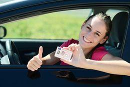 【学割:教習所・レンタカー】免許取るならどっち? 通いと合宿のメリットとデメリットを知ろう