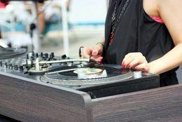 さえない男子大学生と学ぶ! クラブミュージックの新星「EDM」の世界【学生記者】