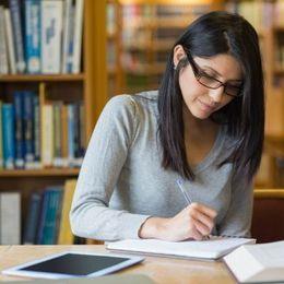 大学生がテスト勉強のときに使っている場所Top5! 1位は学外の……