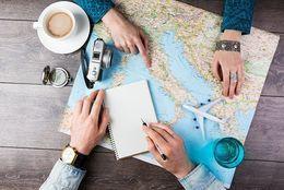 イマドキ学生は国内志向? 今年の夏休み、海外旅行に行く予定の大学生は◯%!