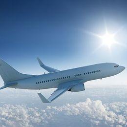【海外・国内旅行】移動手段に飛行機を使うメリット・デメリットは?【学生記者】