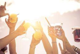 大学生が飲み会でされるとイラっとする言動4選「無理やり飲まされる」「セクハラ」