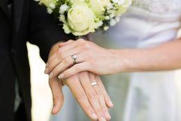 結婚には「デメリット」があると思う大学生は約8割! 「自由がなくなる」