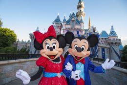 カリフォルニア ディズニーランド・リゾート限定のミッキー&ミニーのぬいぐるみを10名様にプレゼント!フォロー&リツイートキャンペーン