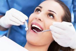 歯医者さんの「痛かったら手を挙げてください」、結局挙げられない大学生は◯割以上!