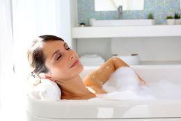 女子は長いイメージだけど……普段の入浴時間はどのくらい? 女子大生の平均は