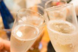 大人数の飲み会で好感度が上がる女子の気遣い4選!