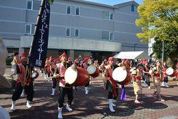【大阪教育大学:神霜祭】部活動・サークルが練習の成果を披露する姿がかっこいい!【2016学園祭情報】