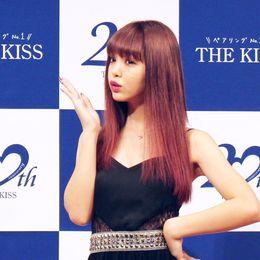 ちょっとオトナな「にこるん」にドキッ 藤田ニコルが女子大生に人気のペアリングブランドの新CMに登場