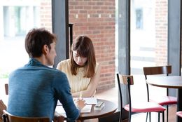 付き合う前と付き合った後で態度が変わる男の6つの特徴