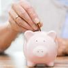 実家暮らし社会人はお給料の一部を家に入れたほうがいい? お金を渡すべきと考える人は4割!