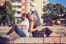 会えない分を埋める! 遠距離恋愛を長続きさせるためのLINEテク4選