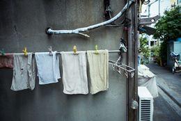 バスタオルは1回使ったら洗濯する? なんと男子大学生の◯割が「洗わず使いまわす」と回答!