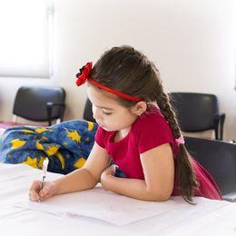 大学生が「大人になって一番役に立った」と思う小学校の教科ランキング! 3位社会