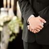 【お葬式の必須マナーと基礎知識】服装、挨拶、香典などのマナーから当日の流れも解説