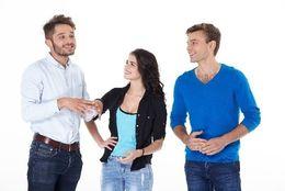 気になる男子が2人……付き合ってなければ同時進行もアリなの? 女子大生の多数派は……