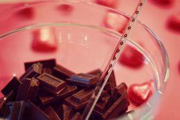 義理チョコをもらえる男子・もらえない男子の違い8選! 女子大生がチョコをあげる基準って?