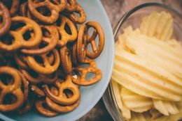 朝ごはんをお菓子で済ませている大学生は約3割「手軽」「朝なら太りにくそう」