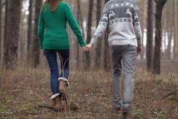 サークル内恋愛は周囲に言うべき? 隠すべき? 大学生の多数派は